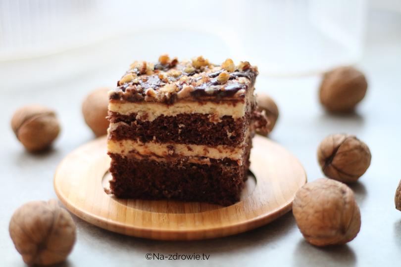 Ciasto czekoladowe z chałwą i orzechami